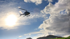 best-of_Heli-im-Wolkenhimmel-totale_rotorflug