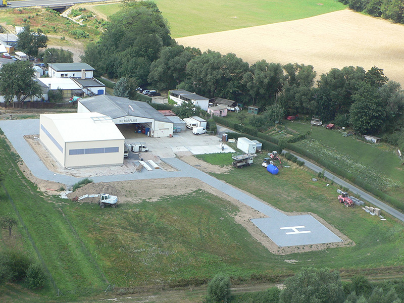 Addition of a second hangar at the heliport Friedrichsdorf