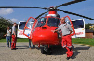 Uwe Knust ist seit 40 Jahren Hubschrauberpilot. Fotos: Ilja Baatz